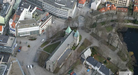 Domkirkeplassen Foto: NRK