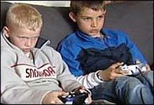 Er det Playstation som til slutt får ansvar for barna? (Foto: NRK/Silje Østmoe)