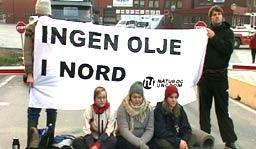 Natur og Ungdom vil satse på aksjoner, lik den de har gjort mot i Barentshavet, når de aksjonerer mot RSL. Foto: Tone Rokstad