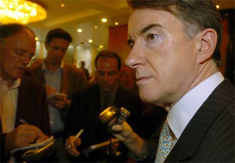 MIDT I STRIDEN: EUs handelskommissær Peter Mandelson lyktes ikke å komme til enighet med sine motparter fra USA, Brasil, India og Australia. Foto: AFP/Scanpix.