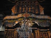 Orgelpiper over prekestolen. Foto: NRK