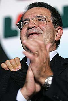 Romano Prodi hadde innkalt til folkefest og varslet sin seierstale.