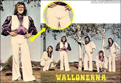 """Rockehelter pleier av og til å putte en agurk eller noe i buksa, for å virke mer mandige. Men hva med denne musikeren, har han lagt inn noe for å virke mer """"kvinnelig""""? (Alltid Moro)"""