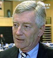 Thomas Angell i HSH mener Stoltenberg-regjeringen gir et helt feil signal med økt matmoms i forhold til grensehandelen. Foto: NRK