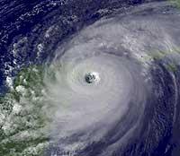 Orkanens diameter er på hele 800 km. (Foto: AP/Scanpix)