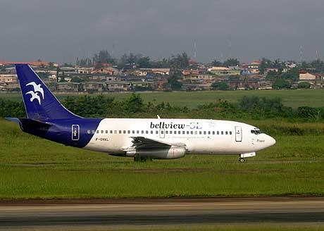 Bilde viser et fly fra flyselskapet Bellview like før avgang den 23. oktober 2005. (Foto: AP/Scanpix)