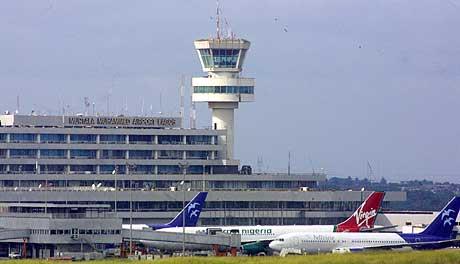 Flyet styrtet få minutter etter at det hadde tatt av fra Murtala Mohammad internasjonale flyplass i Lagos. (Foto: AFP/Scanpix)