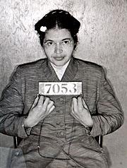 Rosa Parks ble arrestert, dømt og bøtelagt for upassende oppførsel. Foto: AP Photo / Montgomery County (Ala.) Sheriff's Office