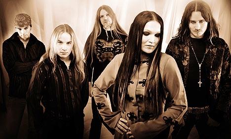 Nightwish er et finsk goth-rock-band med elementar av opera og har eksistert i ni år. Foto: Promo.