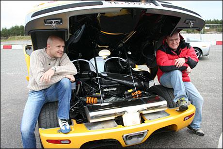 Tommy og Jan Erik koste seg på jobb denne dagen.