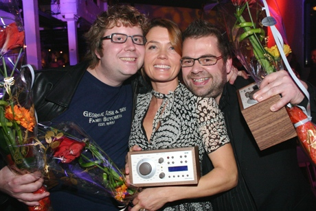 """Are og Odin fikk publikumsprisen """"Årets radionavn"""" og Kari Slaatsveen ble kåret til årets beste programleder under Prix Radio 2005. Foto Jon-Annar Fordal, NRK"""