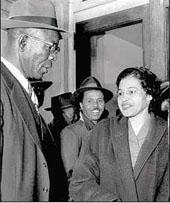Rosa Lee Parks sammen med NAACP ledere