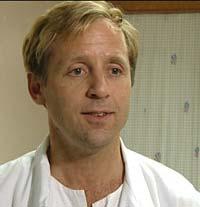 Kjell Salvesen, leder for Norsk gynekologisk forening, mener svangerskapsomsorgen må tilpasses slik at vi kan redde liv.