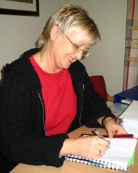 Hjemmeveileder Mette Vestengen hjelper familier med barneoppdragelsen.