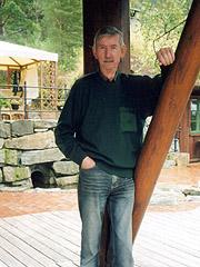 Jens Petter Ekornes er i dag seniorrådgiver for Ekornes Møbelfabrikk. Foto: Haakon D. Blaauw, NRK