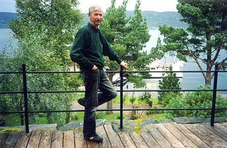 Jens Petter Ekornes bruker mye av sin fritid ved sjøen og i båt. Foto: Haakon D. Blaauw, NRK