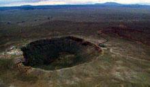Dette er eit meteoritt-krater i Arizona i USA. Foto: NRK