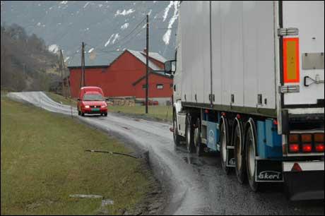 Slike situasjonar slepp bilistane frå no av på strekninga Skei - Sogndal. Foto: Statens vegvesen
