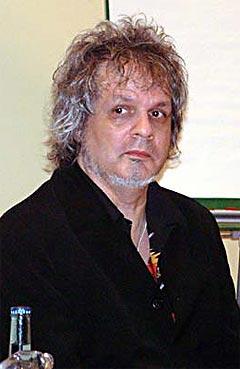Al Kooper under en pressekonferanse på Notodden Bluesfestival i 2001. Foto: Per Ole Hagen, NRK.