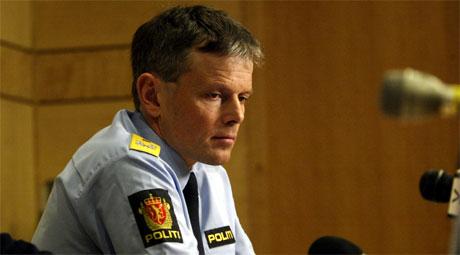 Arne Hammersmark på den den første pressekonferansen politiet hadde etter Nokas-ranet. (Foto: Alf Ove Hansen/Scanpix)