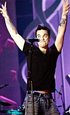 Robbie Williams vant prisen for beste mannlige artist under MTV Europe Music Awards nylig. Her på scenen under Nordic Music Awards. Foto: Nils Meilvang, Scanpix.