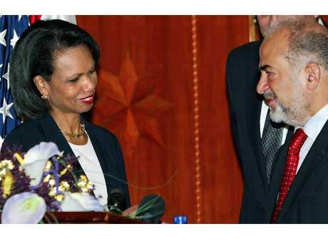Condoleezza Rice traff blant andre Iraks statsminister Ibrahim Jaafari i Bagdad i dag. (Foto: Ahmad al-Rubaye/ Reuters/ Scanpix)