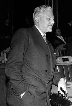 Utenriksminister John Lyng i Stortinget i 1967. Foto: NTB/Scanpix