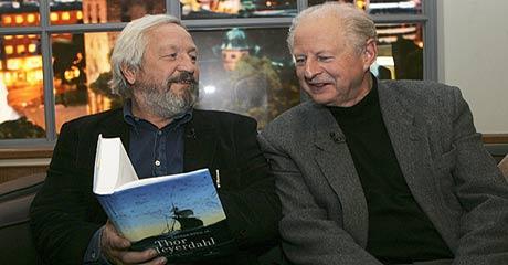 Forfatter Ragnar Kvam jr. og Thor Heyerdahl jr. i forbindelse med lanserimngen av boken. Foto: Morten Holm/ Scanpix