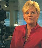 Kristin halvorsen (SV) setter ut i livet sin forgjengers økning av matmomsen med to prosentpoeng. Foto: NRK