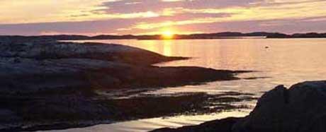 Politikerne i Rygge mener at allmennhetens rett til fri ferdsel i strandsonen opprettholdes, selv om familien får bygge en ny hytte.(Foto:NRK)