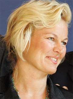 NY KARRIERE: Tidligere forsvarsminister Kristin Krohn Devold går til Kjell Inge Røkke. (Foto: Scanpix)