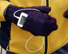 iPod Mittens lar deg ta med spilleren i vanten. Foto: sprboston.com.