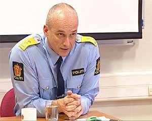 Politimester Håvard Fjærli orienterte om drapssaken på en pressekonferanse i formiddag. (Foto: NRK)