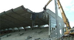 Når tribunen på Stavanger stadion er revet skal det bygges nytt. (Foto: NRK)