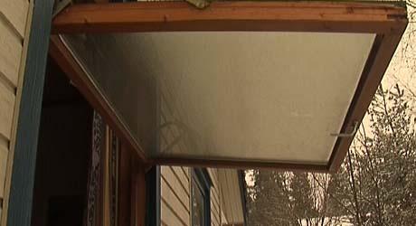 Huset måtte luftes godt etter ulmebrannen som krevde ett liv.
