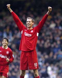 Peter Crouch jubler etter sitt første Liverpool-mål. (Foto: AFP/Scanpix)