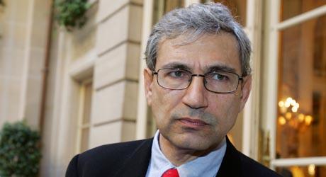 Den tyrkiske forfatteren Orhan Pamuk er kontroversiell i hjemlandet. Foto: AFP/Scanpix