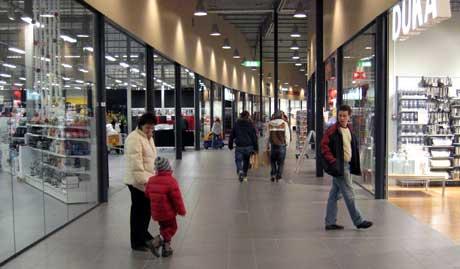 Kommunen reklamerte for turen til Töcksfors hvor Olav Thon sitt nye shoppingsenter er et åpenbart mål. (Foto:Privat)