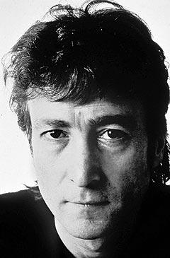 Et av de siste bildene som ble tatt av John Lennon, i desember 1980. Foto: AP Photo / Scanpix.