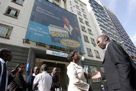 Jordskjelvet vart merka også i Nairobi, der folk evakuerte høghusa i businessområdet i byen. (Foto: AP/Scanpix)