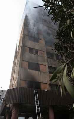 Høyhuset som ble truffet av flyet. Foto: Raheb Homavandi, Reuters