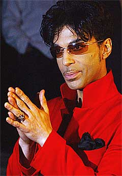 Prince slipper førjulssingel. Foto: Scanpix.