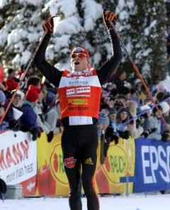 Tobias Angerer jublet i det han vant i Vernon. (Foto: Lise Åserud / SCANPIX)