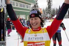 Marit Bjørgen jublet over seieren i Canada. (Foto: Lise Åserud / SCANPIX)