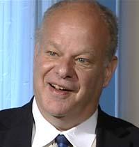 — Det finnes en rekke snarveier til glede. Du kan shoppe, masturbere, se på kommersiell TV eller bruke narkotika, sier Dr. Martin E. P. Seligman.
