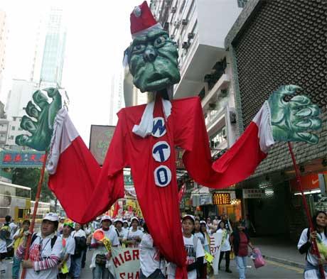 PROTESTER: WTO-motstanderne har begynt å gjøre seg gjeldene i Hong Kongs gater. Foto: Scanpix.