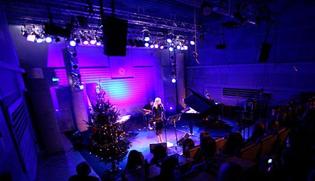 Maria Arredondo i Studio 19. Foto: Arne Kristian Gansmo, NRK.