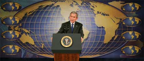 Verdens mektigste mann, USAs president George W. Bush, mener prestestyret i Iran er ondt.. (Foto: Mel Evans/AP/Scanpix)