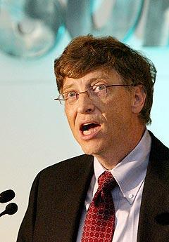 Bill Gates og Microsoft går i kompaniskap med MTV for å slå konkurrenten Apple på musikkmarkedet på nettet. Foto: Gautam Singh, AP Photo / Scanpix.