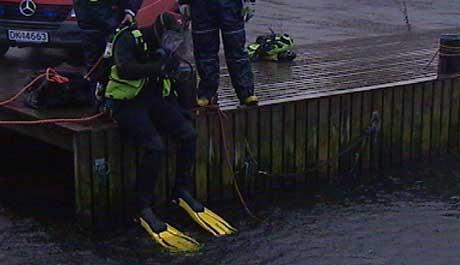 Dykkere søkte etter den savnede Lillesands-kvinnen (foto: Marius Harlem)